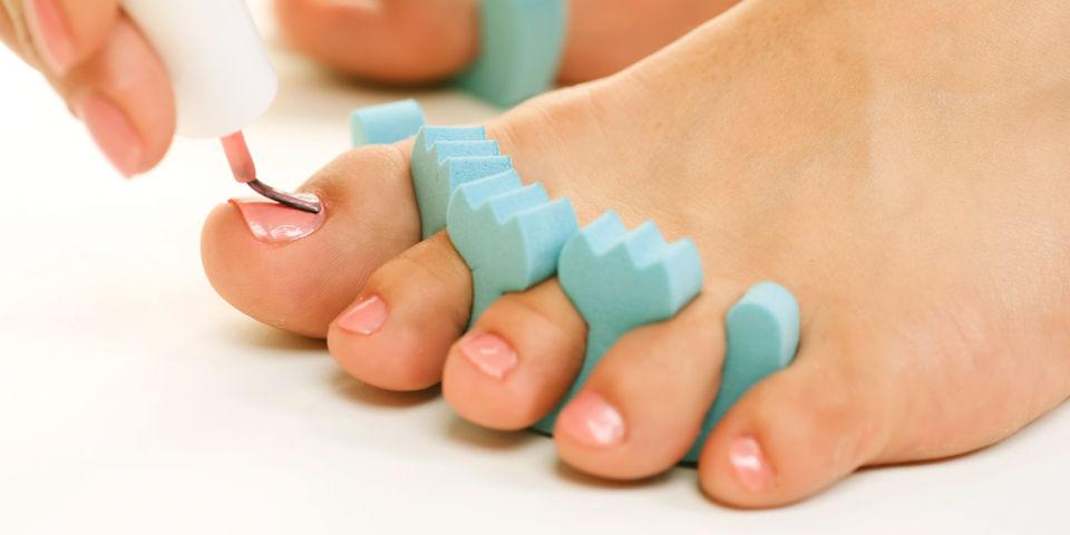 voeten-lakken-pedicure